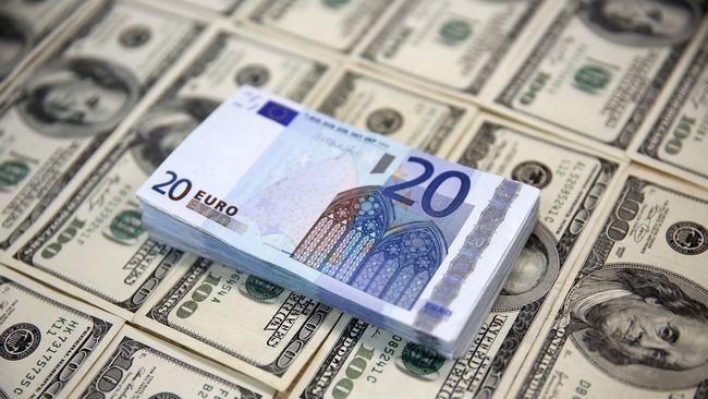Euro dan poundsterling merosot masing-masing 0,1 persen terhadap dolar AS diguncang defisit anggaran Italia dan kepastian perkembangan brexit.