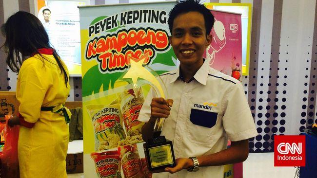 Rupiah boleh goncang, tapi tidak dengan bisnis peyek kepiting yang didirikan Filsa Budi Ambia, mahasiswa dari Universitas Balikpapan, Kalimantan Timur.
