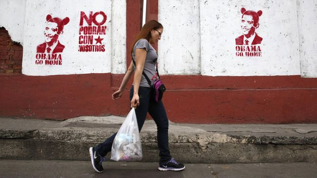 Ratusan ribu warga Venezuela melarikan diri ke luar negeri akibat terus memburuknya perekonomian negara di Amerika Selatan itu.