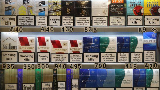 Pemerintah Malaysia pada Rabu (4/11) menaikkan pajak rokok hingga lebih dari 40 persen. Langkah ini menuai protes dari perusahaan tembakau.