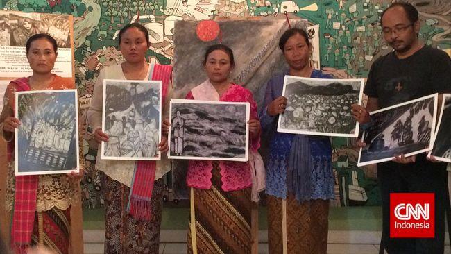 Komisioner Komnas HAM Nur Khoiron mendesak Gubernur Jawa Tengah Ganjar Pranowo untuk mengkaji ulang izin pendirian pabrik PT Semen Indonesia di Rembang.