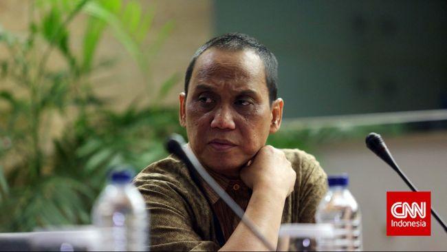 Eks Plt Pimpinan KPK Indriyanto Seno Adji mendukung pembentukan Dewan Pengawas bagi lembaga antikorupsi itu untuk mengawasi kerja pemberantasan korupsi.