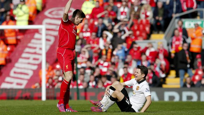 Saking kesalnya terhadap Manchester United, Gerrard mengaku tidak pernah melakukan tukar kostum dengan pemain MU usai pertandingan.