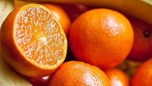 Salah satu wilayah di Spanyol mengubah jeruk menjadi listrik yang diproses lewat biogas.