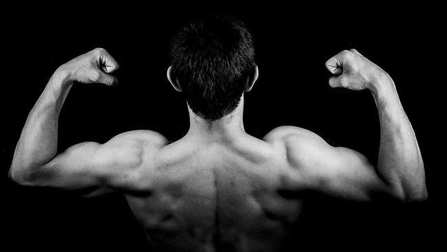 Studi terbaru menemukan, penggunaan obat steroid pembesar otot dapat merusak fungsi testis pria selama bertahun-tahun setelah berhenti meminum obat.