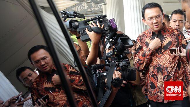 Gonjang-ganjing politik antara eksekutif dan legislatif di DKI Jakarta ternyata berdampak pada bisnis perusahaan IT Fujitsu.