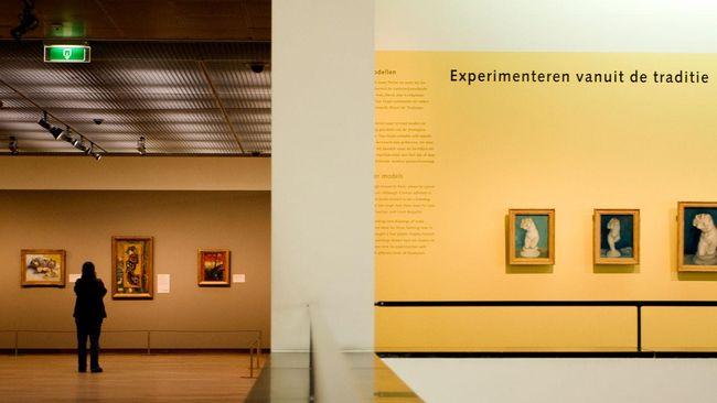 Pencurian lukisan karya Vincent Van Gogh terjadi di museum Belanda. Pencurian terjadi saat museum tutup karena virus corona.