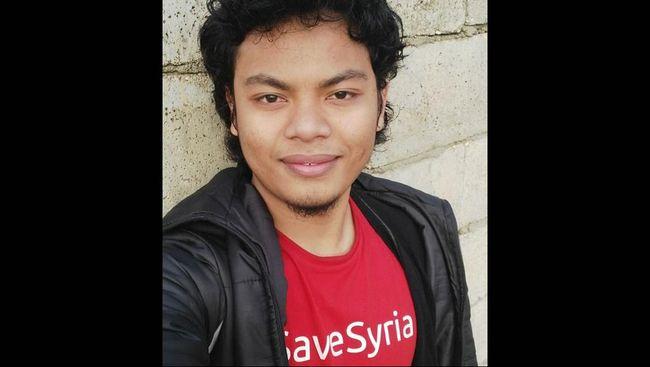 Putra keenam pentolan Majelis Mujahidin Indonesia, Abu Jibriel ini tewas saat melawan pasukan Suriah untuk merebut kota Idlib.