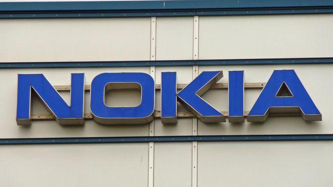 Nokia N95 dikenal punya desain slider, bisa digeser ke atas untuk keypad alfanumerik atau ke bawah untuk set kontrol playback.