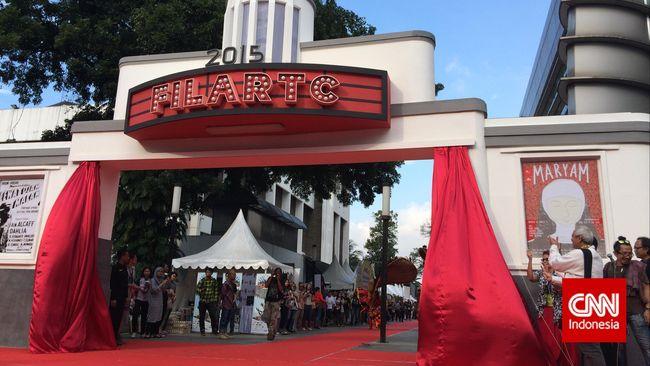 Presiden Joko Widodo mengatakan setidaknya perlu 5.000 bioskop di seluruh Indonesia untuk memenuhi kebutuhan hiburan 240 juta penduduk Indonesia.