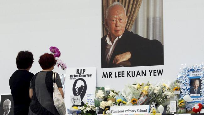 Perdana Menteri Pertama Singapura Lee Kuan Yew pernah hampir 'menghabisi' semua pedagang kaki lima di negerinya.
