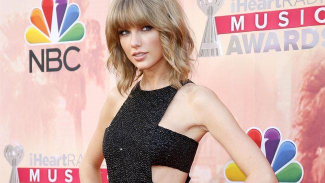 Swift dan Harris memuncaki 20 besar selebriti berpenghasilan terbanyak tahun ini.