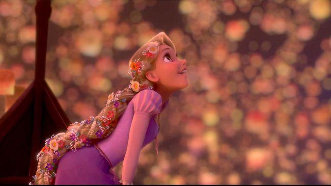 Disney on The Fairy Tale Weddings menghadirkan 16 gaun pengantin yang terinspirasi dari tokoh-tokoh Disney mulai dari Ariel, Rapunzel, hingga Snow White.