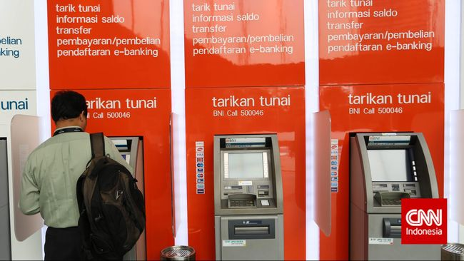 Polisi memberikan sejumlah tips agar masyarakat terhindar dari 'skimming' di mesin ATM.