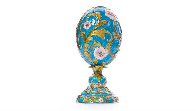 Di antara telur bertahta emas permata yang ada, telur Faberge adalah satu yang terpopuler sepanjang sejarah dunia.