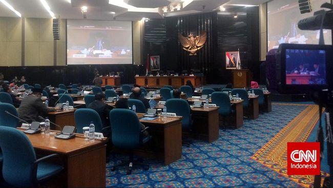 DPRD DKI meminta agar anggaran pokok pikiran kembali diaktfikan dalam APBD-Perubahan DKI 2018. Anggaran itu dulu dicoret Ahok semasa masih jadi gubernur.