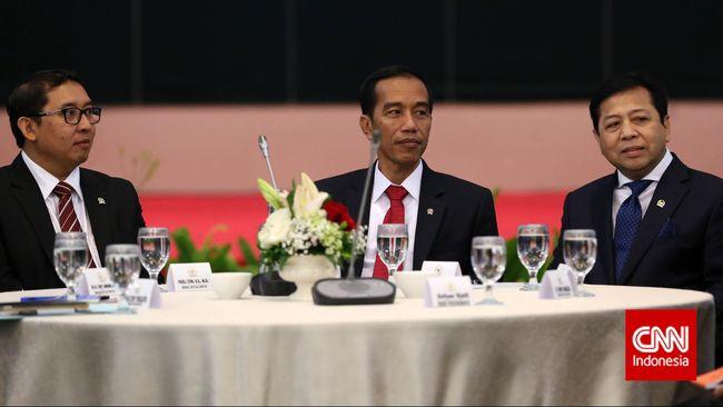 Wakil Ketua DPR Fadli Zon menilai Indonesia saat ini tidak lebih baik. Presiden menurutnya punya kewenangan untuk mengevaluasi kinerja menteri.