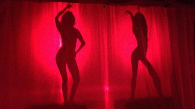 Dua dari enam artis yang dipanggil polisi telah mengonfirmasi untuk memenuhi panggilan pemeriksaan kasus dugaan prostitusi online.