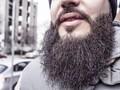 Desainer Bikin Masker Khusus untuk Pria Berjanggut Panjang