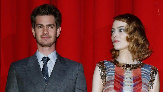 Apakah cerita cinta Andrew dan Emma akan berakhir seperti cerita cinta karakter mereka dalam film The Amazing Spider-Man 2?