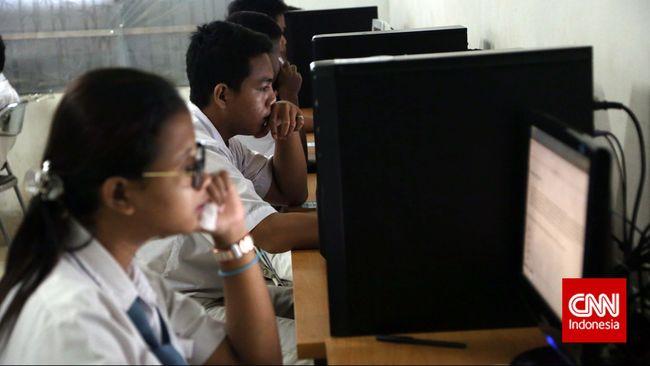 Indonesia berada di peringkat ke-94 untuk rata-rata kecepatan Internet, tetapi berada di peringkat ketiga untuk rata-rata kecepatan puncak Internet.