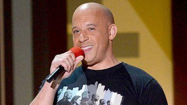 Aktor Vin Diesel kerja sampingan di dunia musik setelah seri film Fast & Furious 9 atau (F9) batal tayang tahun ini karena pandemi Covid-19.
