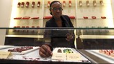 Bisnis cokelat sedang menggeliat di Afrika. Dibuat dari bahan baku lokal, dikemas secara mewah dan dijual di toko megah tak ubahnya toko perhiasan.