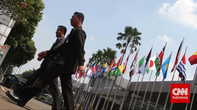 Enam puluh tahun berlalu dari KAA 1955, negara Asia-Afrika memang bebas dari penjajahan kolonialisme, namun menghadapi penjajahan dalam bentuk baru.