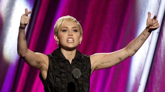 Kerusakan alam yang parah saat ini membuat Miley Cyrus tak ingin buru-buru punya momongan.