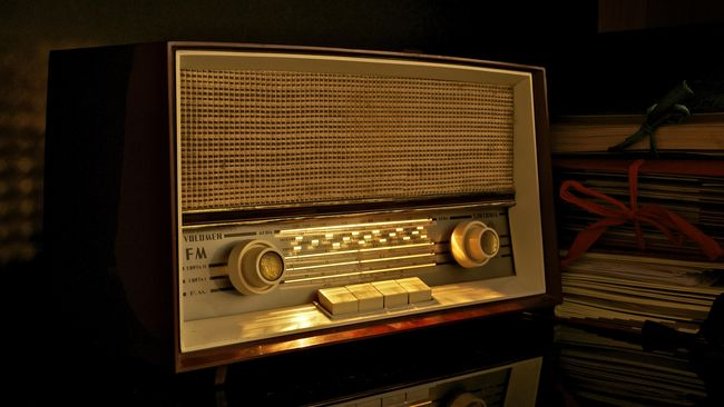 Norwegia berencana untuk mematikan saluran radio FM untuk beralih ke radio digital. Keduannya memang amat berbeda, berikut penjelasan singkatnya.