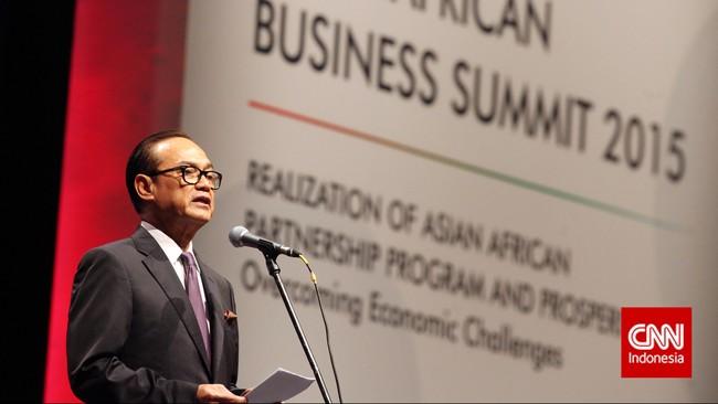 Presiden Joko Widodo membuka Asian-African Business Summit yang merupakan rangkaian peringatan Konferensi Asia Afrika ke-60, di Jakarta, Selasa (21/4).