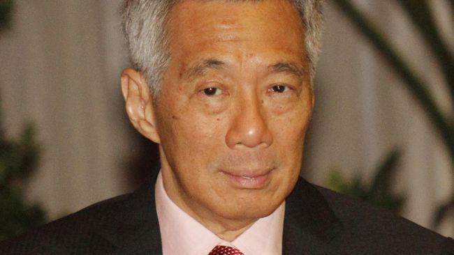 Perdana Menteri Singapura, Lee Hsien Loong, menerima suntikan dosis pertama vaksin virus corona (Covid-19).