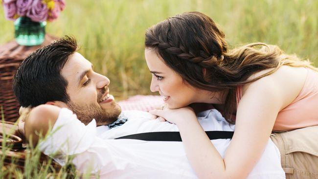 Ada banyak pertimbangan dan hal-hal yang harus dipilih untuk meyakinkan Anda bahwa si dialah orang yang tepat sebagai pasangan Anda.