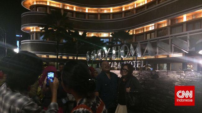 Banyak orang merasa semangat Wali Kota Ridwan Kamil dalam menyambut KAA menular kepada seluruh penduduk Kota Bandung.