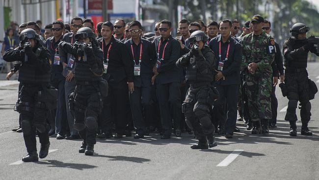 Empat orang itu dicurigai karena beraktivitas di masjid hingga beberapa jam. Keempatnya masih dalam pemeriksaan Polrestabes Bandung.