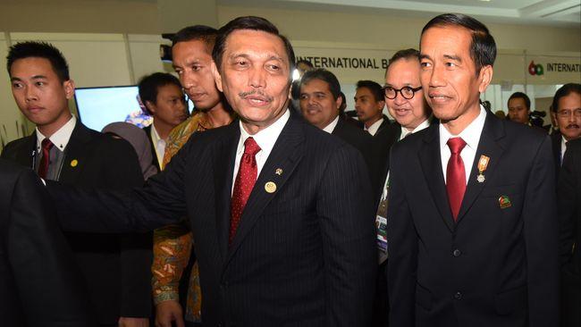 Presiden Jokowi merasa perlu melakukan perombakan kabinet saat ini karena melihat kondisi ekonomi global yang memburuk.