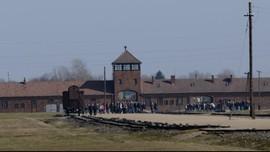 Museum Auschwitz Kritik Parodi Korban Holocaust di TikTok