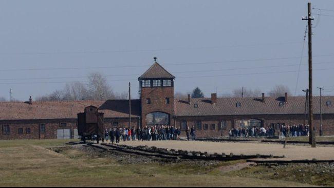 Museum Kamp Konsentrasi Yahudi Auschwitz-Birkenau di Polandia menyebut tren parodi korban Holocaust di TikTok menyakitkan dan menyinggung.
