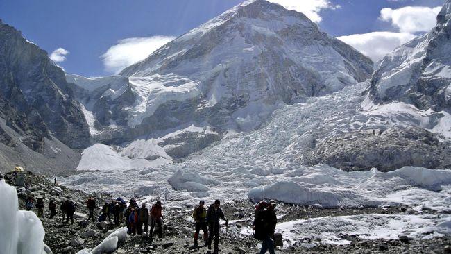 Longsor salju merupakan salah satu musibah yang kerap mengintai di destinasi wisata empat musim.