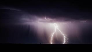 BMKG Prediksi Ada Badai Tropis Kuat di Utara Sulawesi Lusa