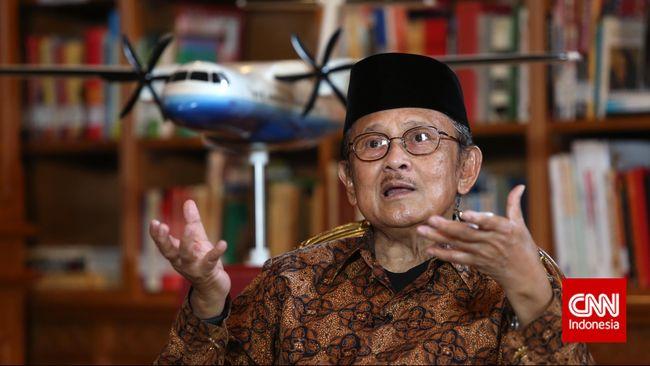 Mendiang Bacharuddin Jusuf (BJ) Habibie memiliki jasa untuk perkembangan sepak bola Indonesia lewat turnamen di wilayah kelahirannya, Parepare.