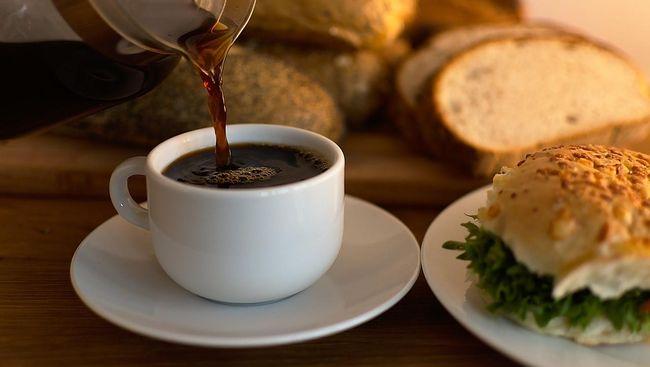 Tak perlu jadi barista andal untuk bisa meracik kopi yang enak. Pasalnya, para ahli sudah menemukan rumus tepat untuk membuat kopi yang sedap.