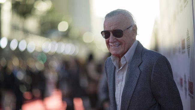 Siri sempat melakukan kesalahan saat ditanya usia Stan Lee, yang dijawab dengan kabar bahwa sang legenda komik Marvel meninggal pada 2 Juli lalu.