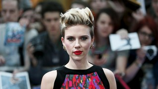 Scarlett Johansson Buka Toko Popcorn di Paris