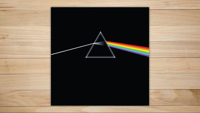 Popularitas album The Dark Side of the Moon milik Pink Floyd kembali meroket setelah salah satu lagunya, Eclipse, terdengar dalam trailer Dune.