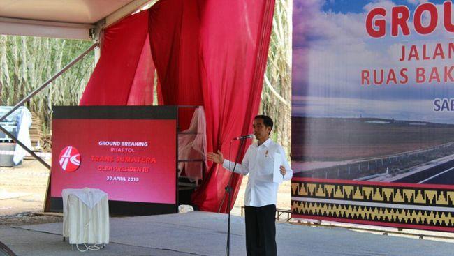 Jokowi secara jujur menyatakan mempercepat penyelesaian proyek infrastruktur pada akhir tahun ini dan awal tahun depan demi Pemilu dan libur Lebaran 2019.