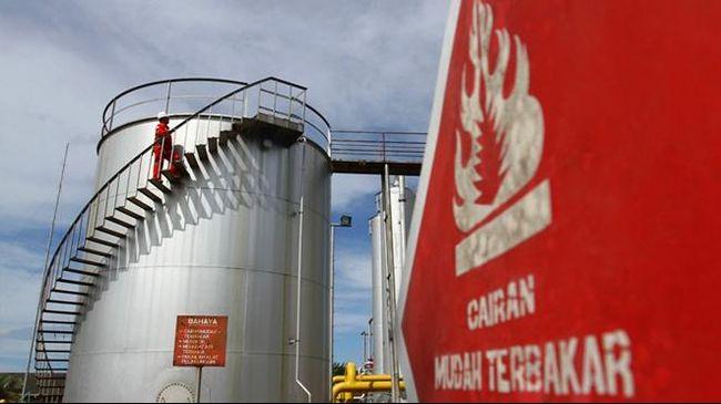 Harga minyak mentah dunia melonjak lebih dari 2 persen pada perdagangan Senin (22/4), dipicu kekhawatiran pasokan yang minim setelah AS menekan ekspor Iran.