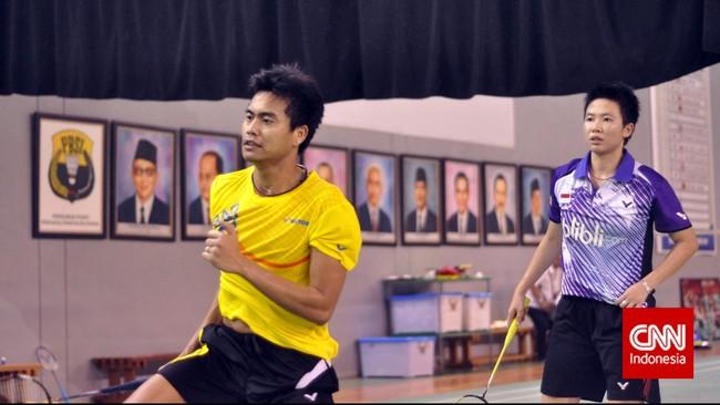 Tontowi Ahmad/Liliyana Natsir saat latihan menuju Piala Sudirman 2015. (CNN Indonesia/Putra Permata Tegar Idaman)