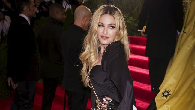 Dennis Rodman Pernah Dijanjikan Rp282 Miliar Hamili Madonna