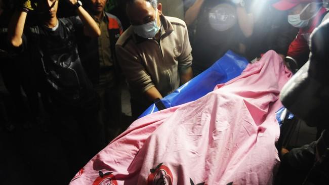 Longsor Terjang Rumah di Bandung Barat, 1 Orang Meninggal